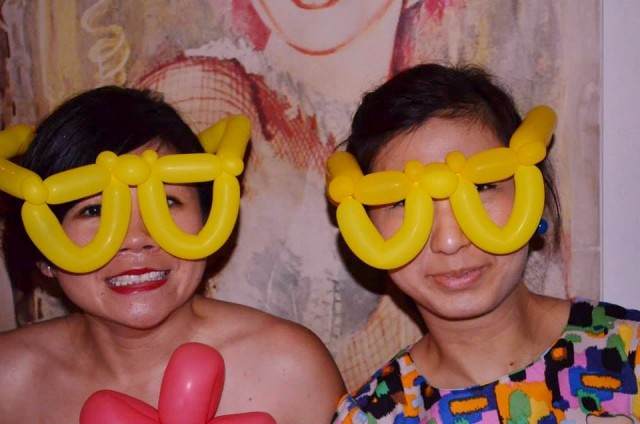 The lovely ladies with Mr Oversized-Geeky-Spectacles